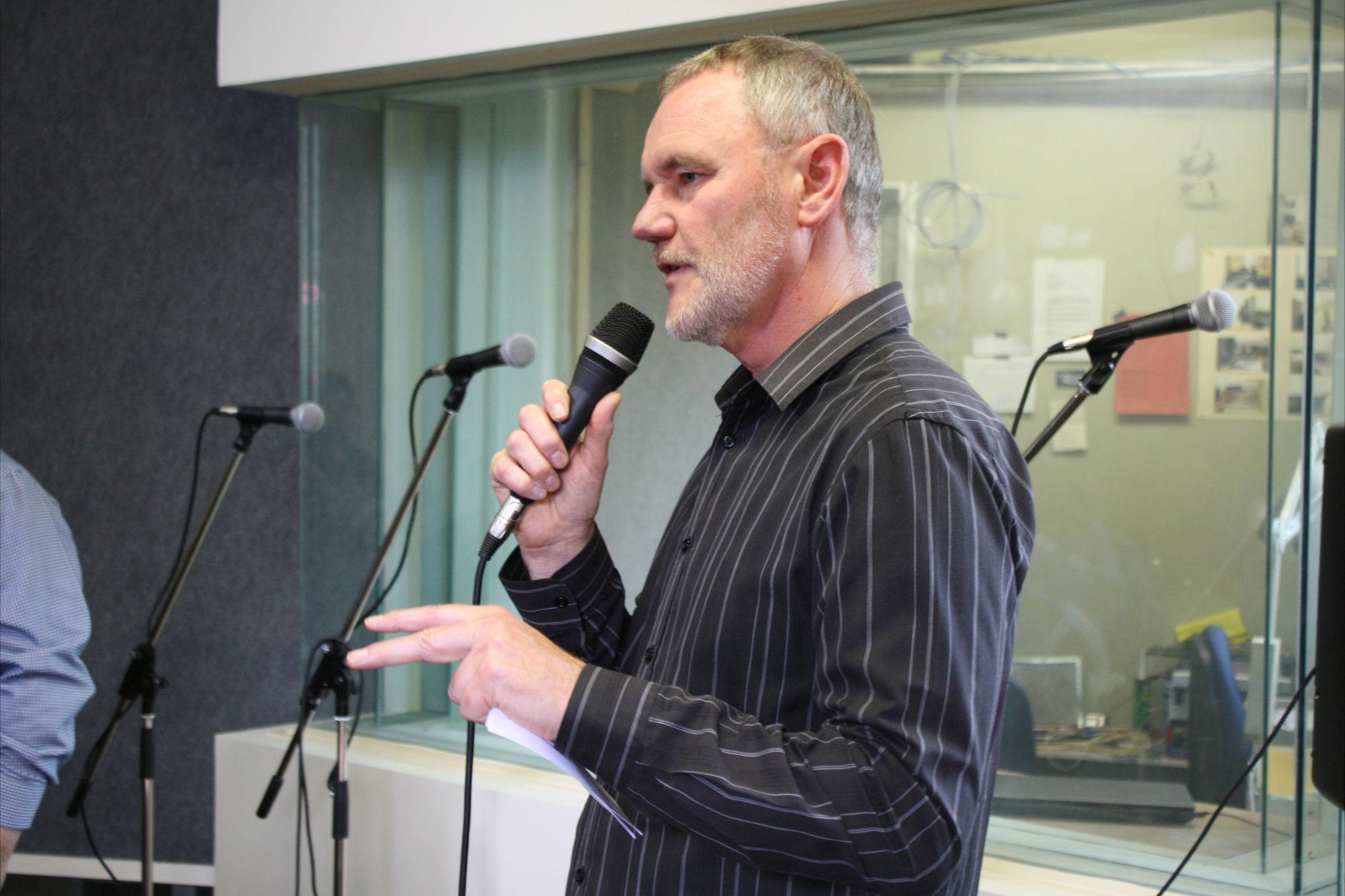 Mayor opens studio